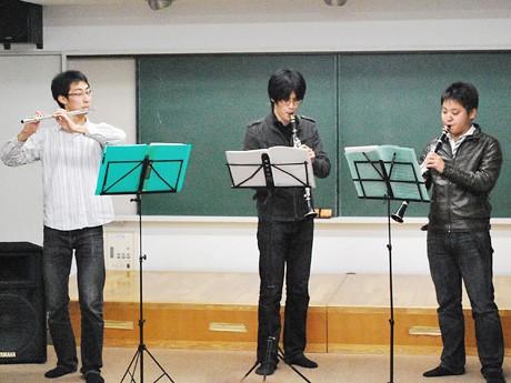 昨年11月に青葉区中央市民センターで行った演奏会では、木管三重奏を披露した