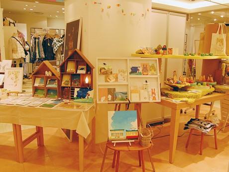 昨年の「ハルノイエ」の様子。仙台・東北の作家による雑貨、アクセサリー、古道具などが並ぶ