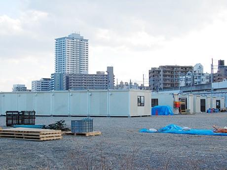 急ピッチで建設が進む仮設住宅。仙台市太白区のあすと長町で