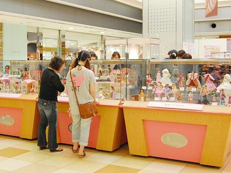エスパル仙台で行われている「リカちゃん展」の様子