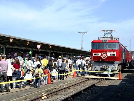 昨年のイベントの様子。「金太郎」展示乗車は行列ができるほどの人気