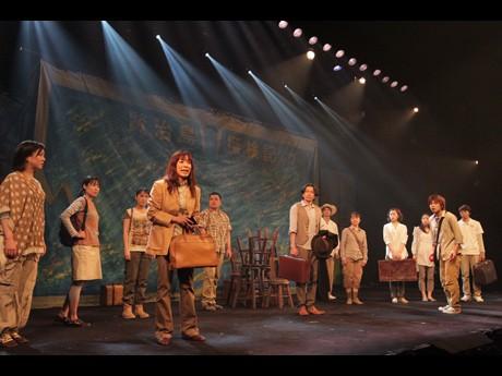 今年6月にサンシャイン劇場で行った公演「賢治島探検記」(舞台写真=伊東和則さん)