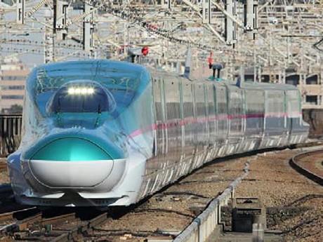 特急券と組み合わせることで新幹線にも乗車できる。写真は11月19日から「はやて」「やまびこ」にも導入されるE5系