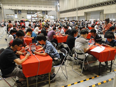 7月に千葉・幕張メッセで開催された「モンスターハンターフェスタ'11」東京大会。「リアル集会所」の様子