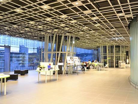改修工事を終えて1月27日に再開したせんだいメディアテーク7階