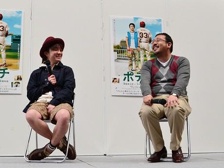 公開記念トークイベントの様子。主演の濱田岳さん(写真左)と中村義洋監督(右)が仙台での撮影を振り返った