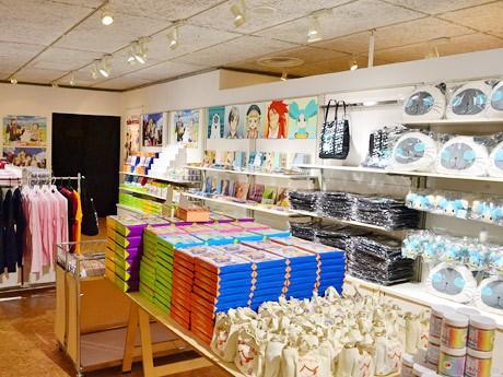 「テイルズ オブ エクシリア2」コラボイベントの物販コーナー。シリーズ関連商品77アイテムを販売