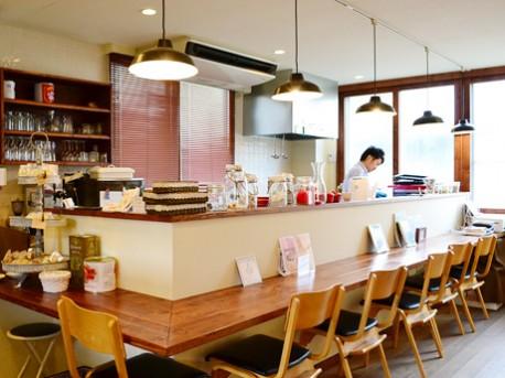 レンタルカフェ「マルクマリーカフェ」。現在、第1期オーナーの舘澤亨さんが独立に向けて営業を行っている