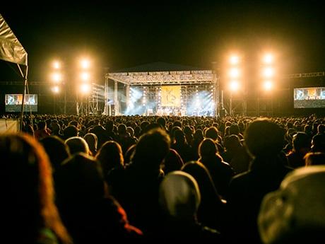 昨年の「ARABAKI ROCK FEST.」。夜の「みちのくステージ」の様子