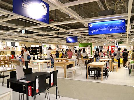 昨年7月にオープンしたイケア仙台の店内。一部を除き取扱商品ほぼ全てがメールショッピングの対象となる