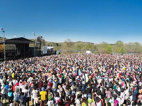 東北にちなんだステージ名が特徴の「ARABAKI」。写真は1万人を収容する「MICHINOKU」ステージ