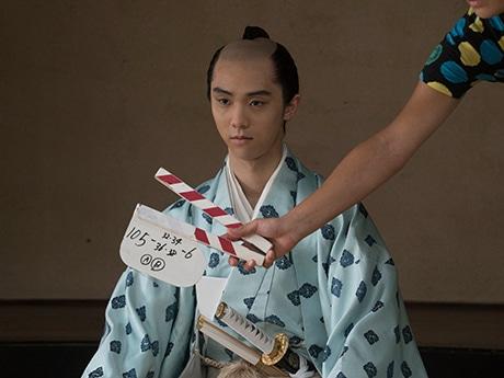 伊達重村を演じる羽生結弦さん ©2016「殿、利息でござる!」製作委員会