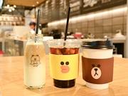 仙台・LINEグッズショップにカフェスペース キャラクターあしらうボトルも