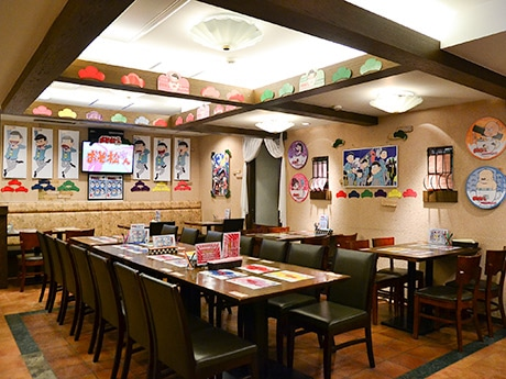 「おそ松さん×アニメガカフェ」店内 ©赤塚不二夫/おそ松さん製作委員会