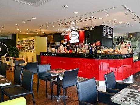 移転オープンした「セガフレード・ザネッティ・エスプレッソ」仙台五橋公園店の店内