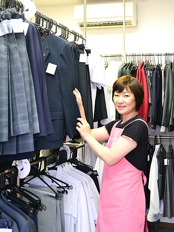 学生服専門リユースショップ「さくらや」仙台店を開いた片浦一枝さん