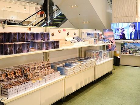 仙台パルコ本館4階エスカレーター横に期間限定で開設された「君の名は。スペシャルショップ」