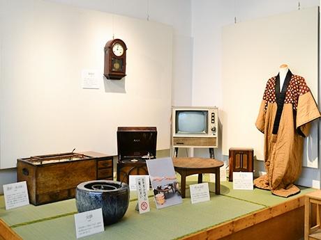 仙台市歴史民俗資料館で「昔と今のくらし」展 昭和の生活支えた道具200点