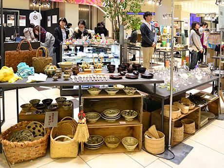 「むつめくTOHOKU」プロジェクト第1弾として行われている催事。宮城・福島を中心とする東北39ブランドの商品を集めた