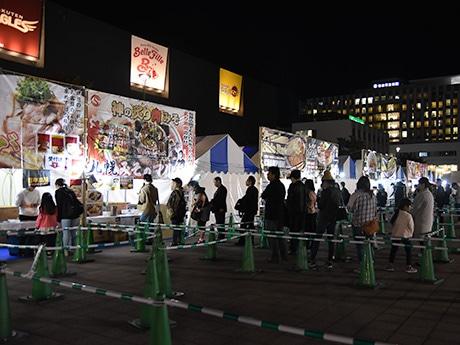 「仙台ラーメンフェスタ」初日の会場の様子。昨年より1カ月早いスタートとなり客足は伸びている