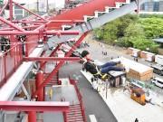 楽天生命パーク宮城に新アトラクション 地上20メートルの橋渡りミッション遂行