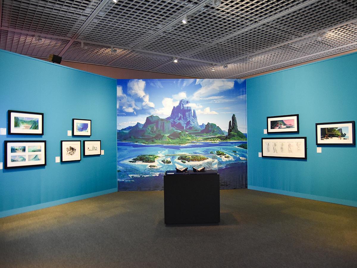 ディズニー作品の原画やストーリースケッチ、コンセプトアートなどを展示する「ディズニー・アート展」。写真は「モアナと伝説の海」