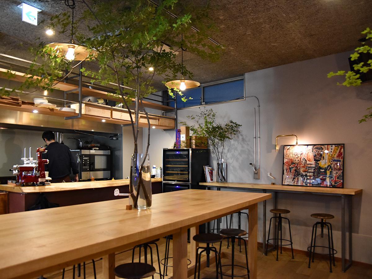 「ORIT Cafe+Bar」店内。幅広い人々が行き交う場所になるようにと、店内でのイベントも企画していくという