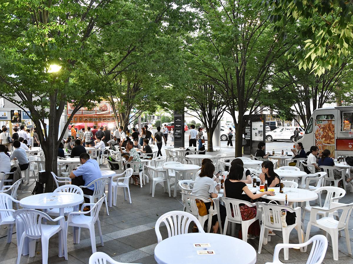 仙台トラストシティプラザ前広場に設けられた会場の様子