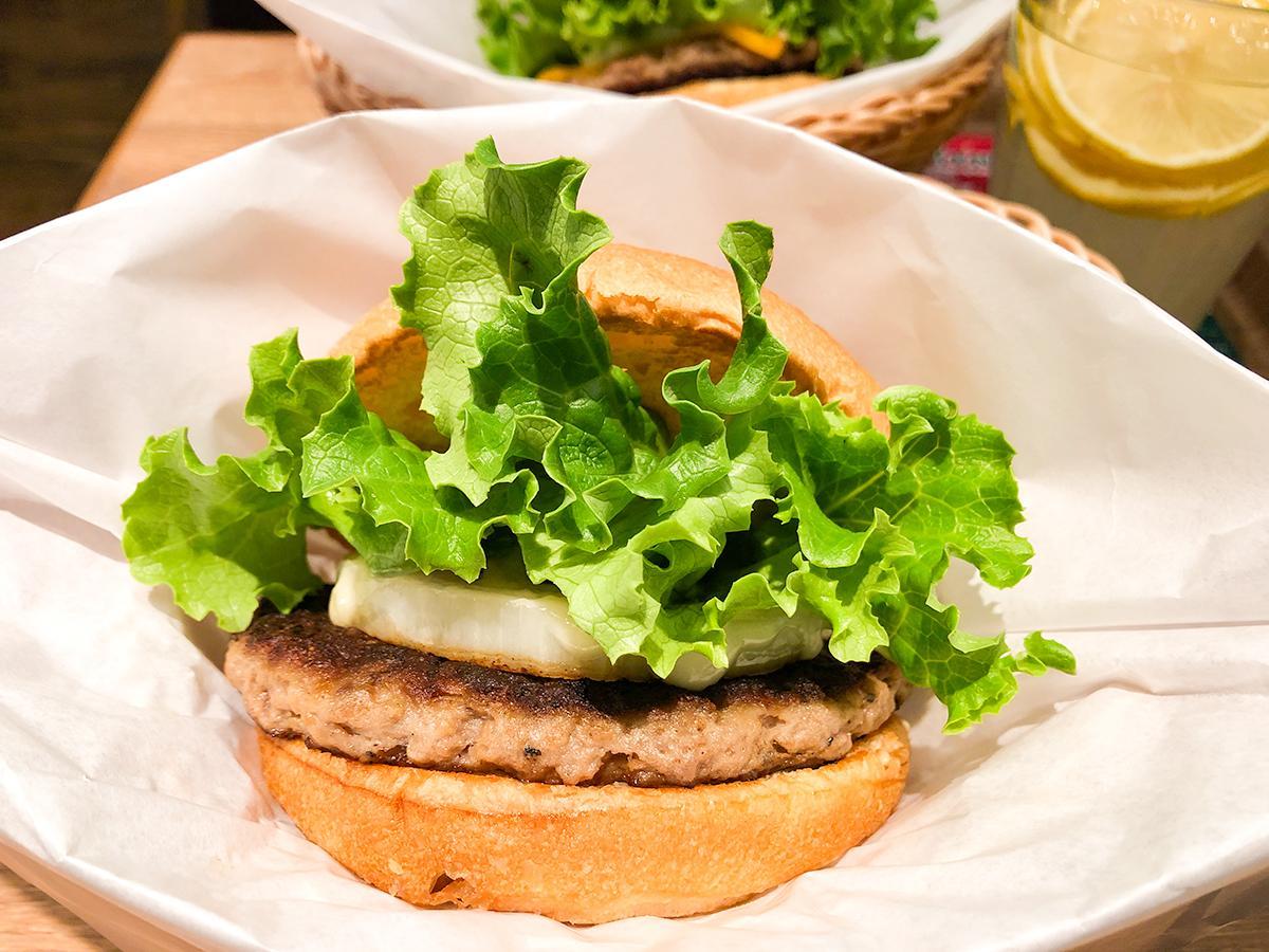 12月4日から仙台の店舗でも提供が始まった仙台牛バーガー