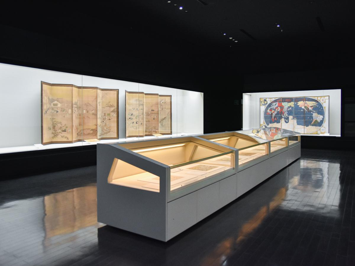 特集展示室「世界の中の日本」