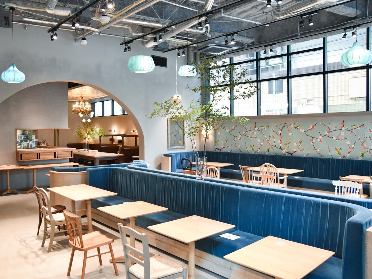 フレンチと東洋のオリエンタルな雰囲気をミックスした「不思議な空間」を目指したという店内