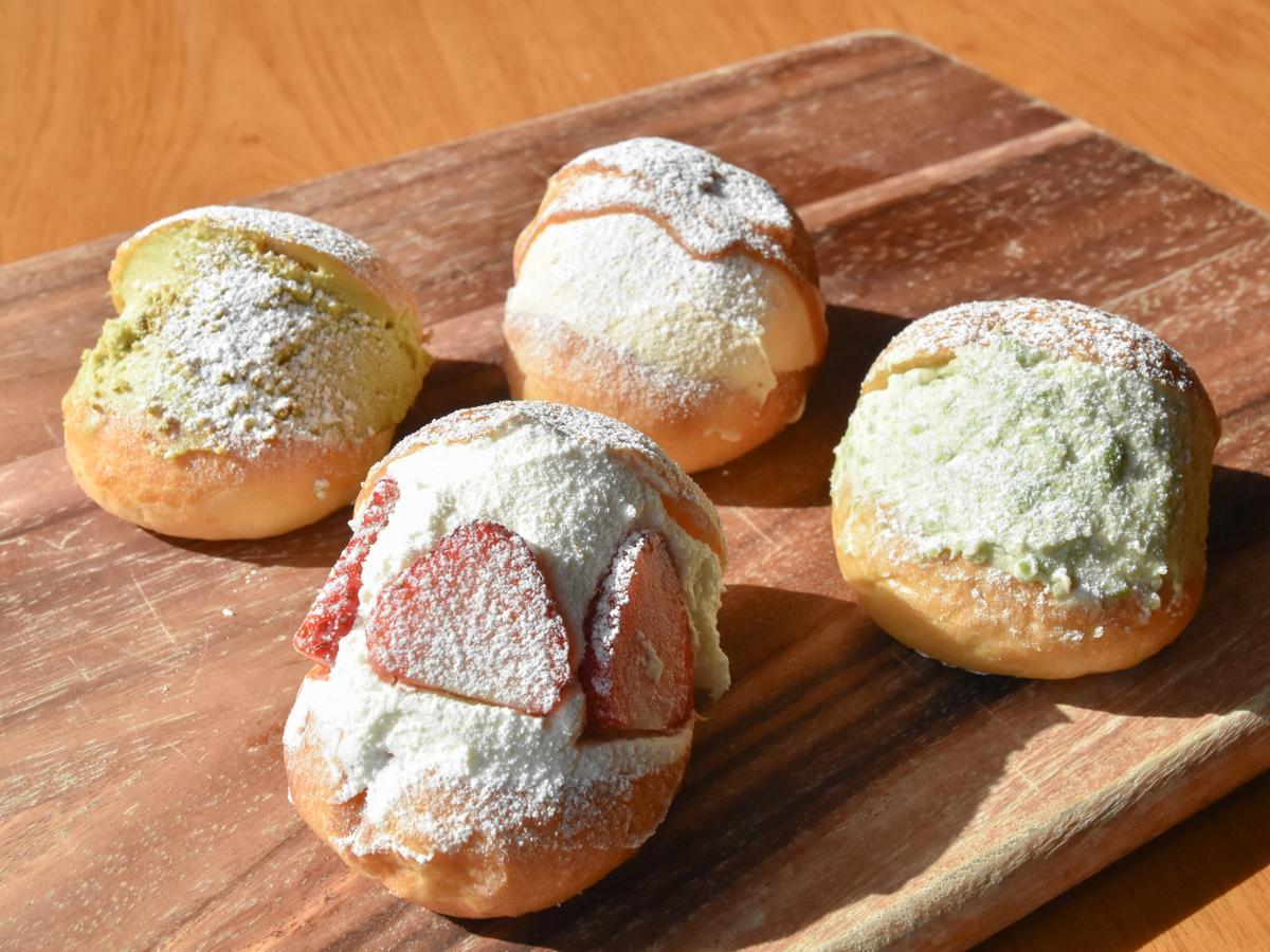 「マリモ」のマリトッツォ。(手前左から時計回りで)「いちご」「ピスタチオ」「仙台味噌キャラメル」「ずんだ」