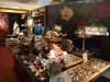 仙台ロフトに「水曜日のアリス」限定ショップ 世界観演出した店内に500点