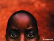 スペインの若手写真家、ペップ・ボネットさんが撮影