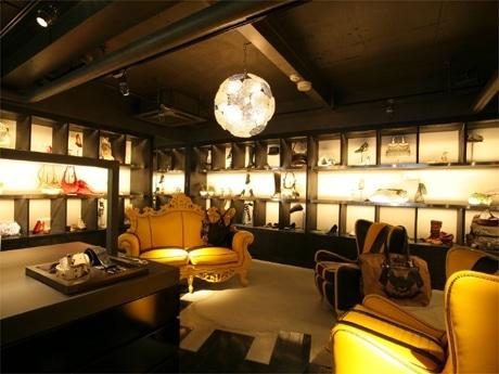 ディーゼルジャパンは代官山にアクセサリー専門の新業態店を開設した(写真=店内の様子)