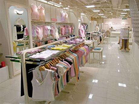 「チャコット渋谷本店」が全館リニューアル。1階(写真=売り場)は初心者向けのバレエ・ダンス売り場