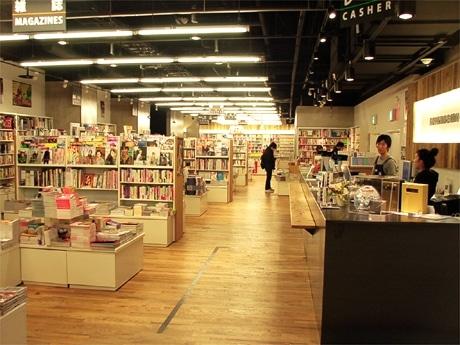 閉店が決まった「青山ブックセンターHMV渋谷店」(写真=店内の様子)