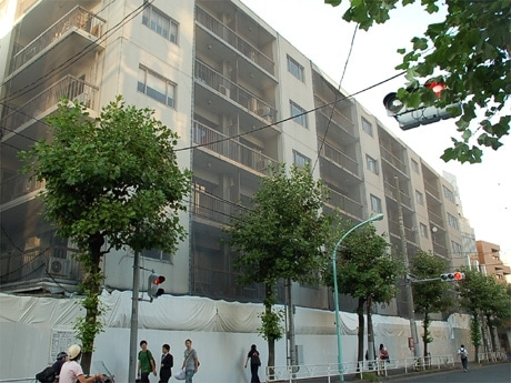 取り壊し後の建設計画が明らかになった「代官山パシフィック」ビル外観