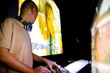 DJ SUPERNOVAによる前回のイベントの様子。シーンに合わせ選曲する「緊張感」も