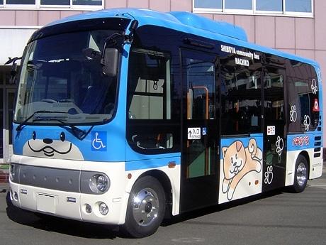 「神宮前・千駄ヶ谷ルート」のハチ公バスはブルーが基調