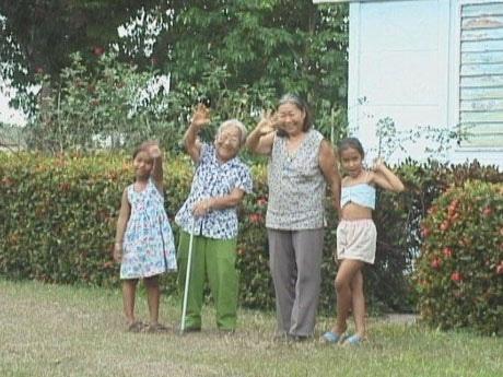 映画「サルサとチャンプルー Cuba/Okinawa」より