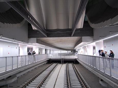 6月14日の開業を待つ副都心線渋谷駅ホーム