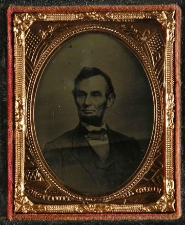 「リンカーンの肖像」(1860年代前半、M .ブレイディ・スタジオ、ティンタイプ)