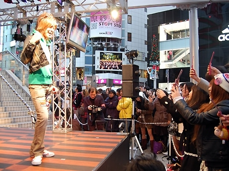 ショーには「梅しゃん」の愛称でも親しまれる梅田直樹さんら人気モデルも参加(写真=「109MEN'S」ファッションショーで)