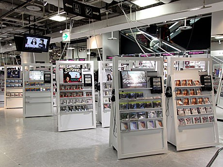 「HMV渋谷」が全面リニューアル。写真は1階フロア