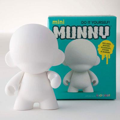 西武渋谷店に「Kidrobot」の期間限定店がオープン。写真は「mini MUNNY」(1,500円)