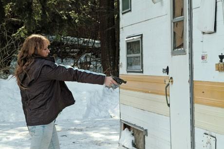 現代の米国が直面する社会問題を背景に、家族のために必死に生きる二人の母親像を描いた「フローズン・リバー」(2010年、監督=コートニー・ハント、提供=シネマライズ、配給・宣伝=アステア)