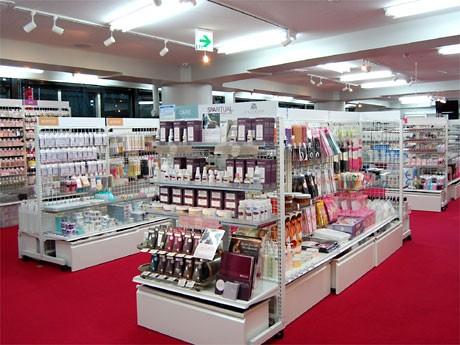 渋谷にプロ向けネイル用品専門店-関西の卸が出店、一般販売も