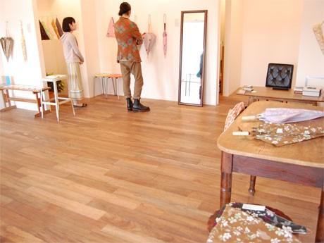 恵比寿で開催されている「イイダ傘店」の新作日傘展