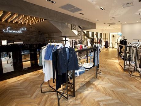「Soareak 渋谷店」がオープン。「ニューヨーク」をイメージして仕上げたという同店1階フロア